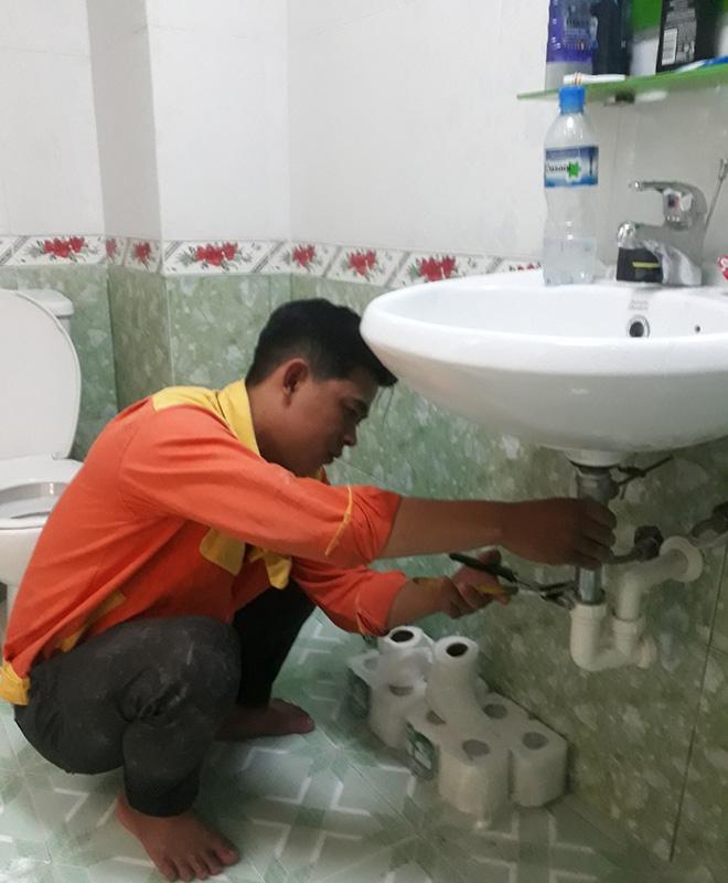 thợ sửa lavabo